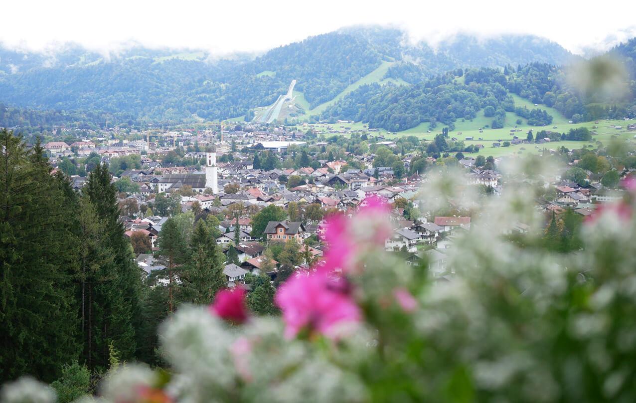 Kriegergedächtniskapelle Garmisch Blick