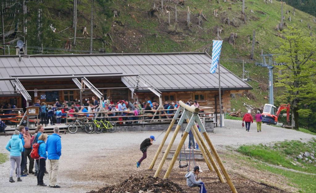kolbensattelhütte terrasse
